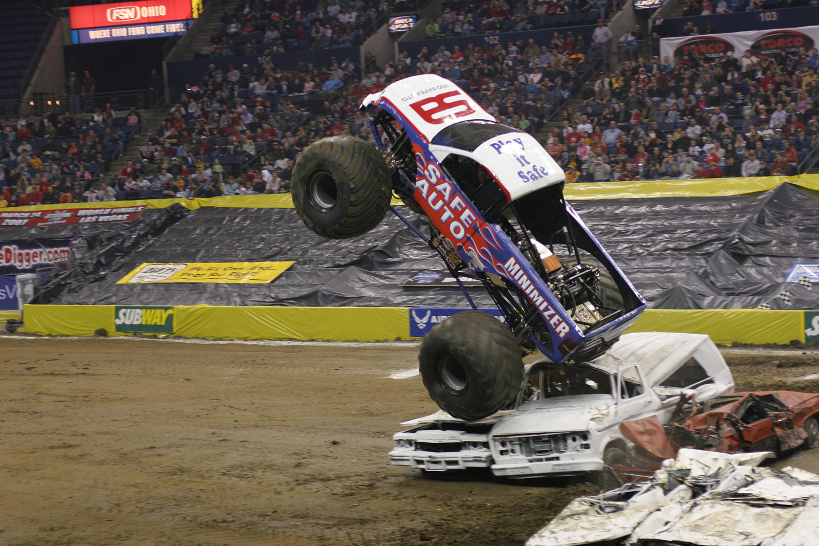monstertrucks_wallpaper_007_1600_1067.jpg