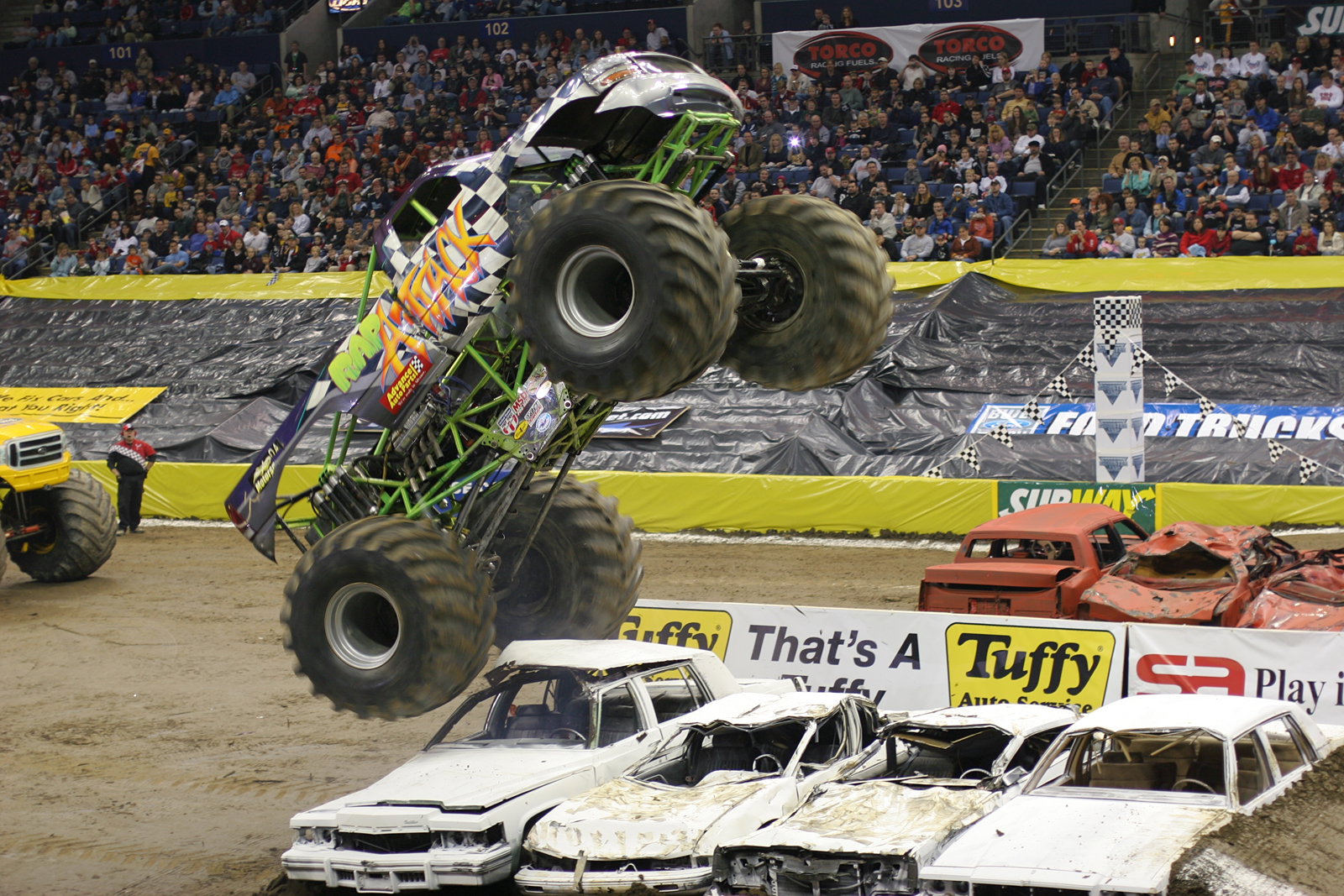 monstertrucks_wallpaper_011_1600_1067.jpg